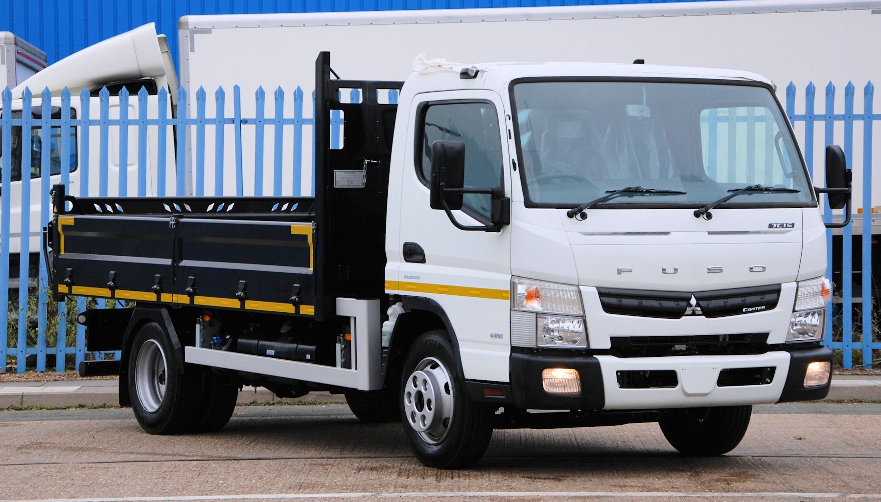fuso dealer comvex flatbed truck exporter mitsubishi